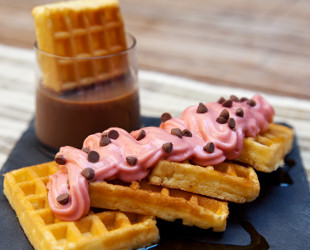 Wafles / Strawberry Woos